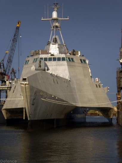 uss_independance_lcs_2_12
