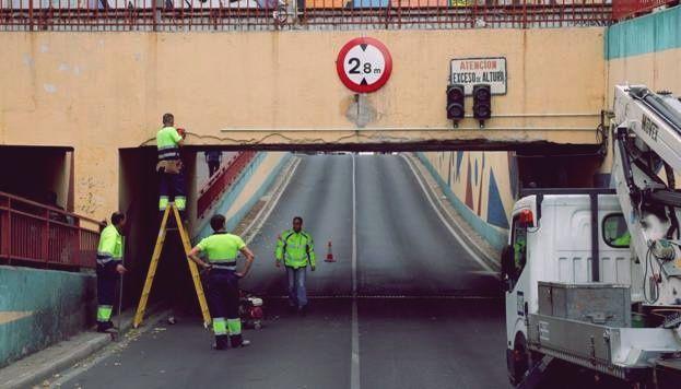 Puente simago semáforo