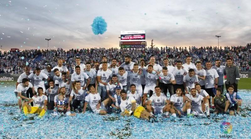 Los jugadores del Lega, celebrando la permanencia en Primera.