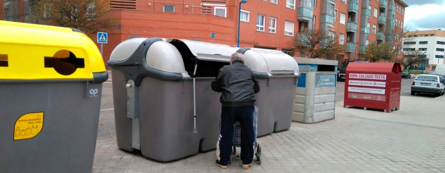 Pedal-cubos-de-basura-leganes