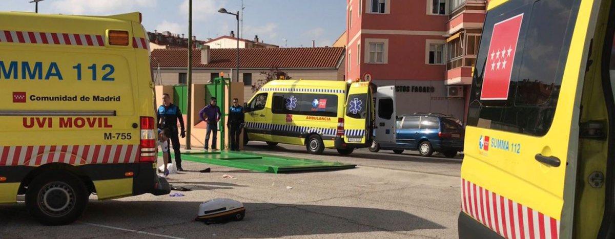 La conserje queda atrapada por una puerta de 300kgs en el CEIP La Inmaculada de Leganés