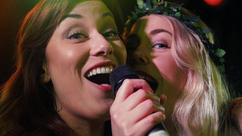 bruiloftband zangeressen Giselle en Lianne