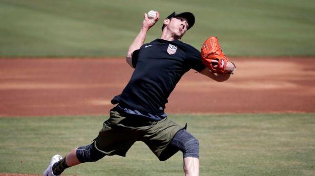 Tim Lincecum pitching at his showcase last week. (Photo:mlb.com)