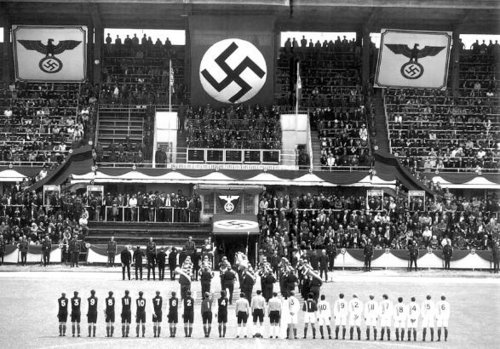 the nazis always made sure that anyone attending the matches (including the players) knew who was running the show.