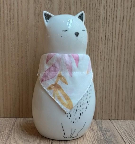 chat-avec-bandana-fleurs1
