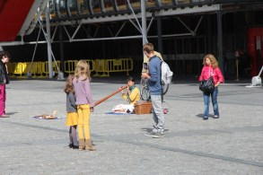 George Pompidou Centre didge player