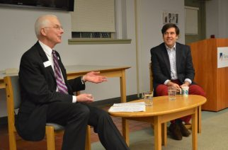 Financial journalist is guest professor at SUNY New Paltz