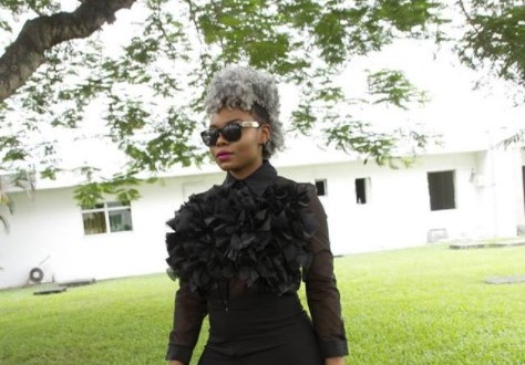 See Close Photos Of Yemi Alade's New Hairstyle