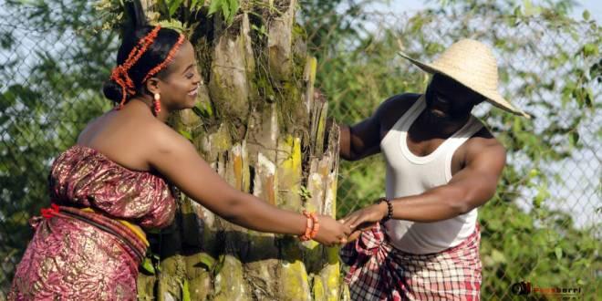 Nigerian couple Share Amazing Traditional Pre-Wedding Photos