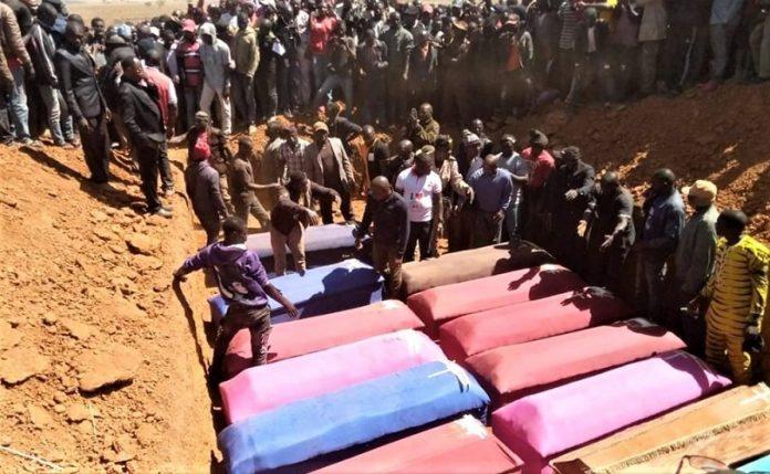 Burial for victims of Muslim Fulani herdsmen attacks 696x429 1