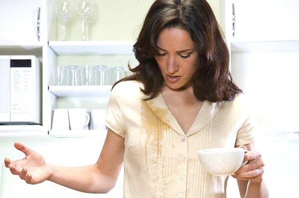 Как отстирать пятна от чая с белых вещей, текстиля и ...