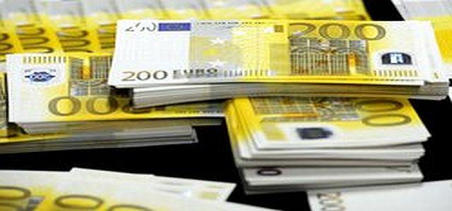 Des liassses de billets en euros