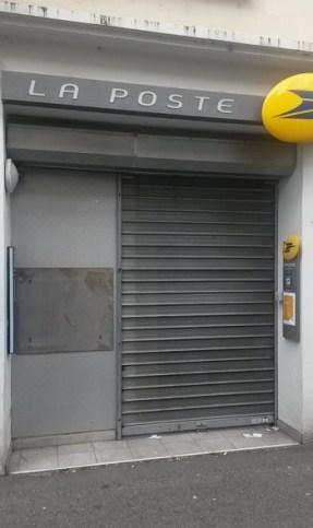 Rue du Lieutenant, à Laval, le Distributeur de Billets a été enlevé et le rideau baissé - (c) leglob-journal