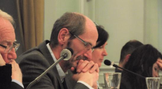 Claude Gourvil en conseil municipal