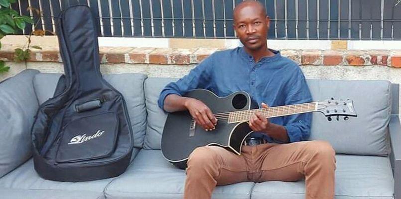 Kaar Kaas Sonn, sa musique et ses textes, rempart contre l'indifférence...