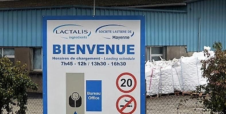 L'entrée de l'usine Lacalis à Mayenne en Mayenne