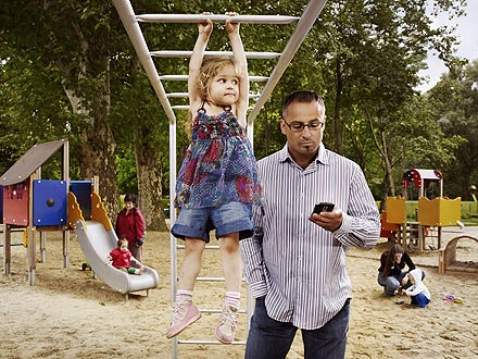 busy-parent-phone