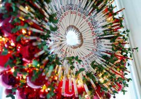 christmas-white-house-wreath-rt-er-181126_hpEmbed_10x7_992