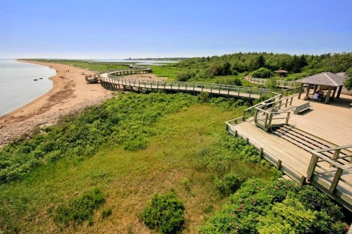 Le Griffon Bed & Breakfast is located 42 minutes' drive from the Irvin Ecocentre at the Bouctouche Dune