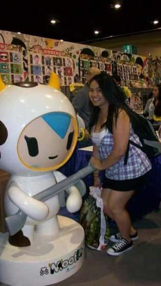 I was so happy to see the Tokidoki booth and take a photo with my favorite character, Mozzarella.