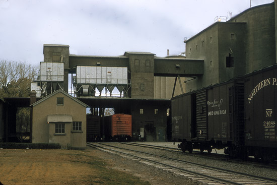 Lehigh Portland Cement Company railroad cars.