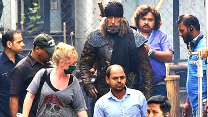 Amitabh Bachchan's OFFICIAL FIRST LOOK From Thugs Of Hindostan REVEALED!