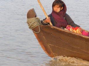 Blog-Junge-auf-Boot-1025x769