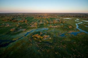 aerial_3.okavango-delta-during-sunset-helicopter_klein