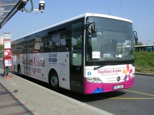 Autobus_Fashion_Arena,_zepředu