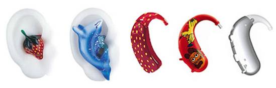 Beispiele für moderne auffällige Hörgeräte. Formen wie Erdbeere, Delfin und mit Sendung mit der Maus.