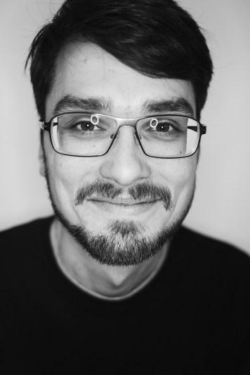 Porträtbild in schwarz weiß von Konrad Litschko