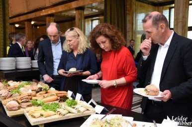 Lunch in Burgerzaal pauze Matthäus Passion (51)
