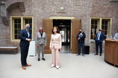 Lakenhal bezoek minister Ingrid van Engelshoven(28)