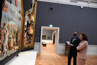 Lakenhal bezoek minister Ingrid van Engelshoven(47)