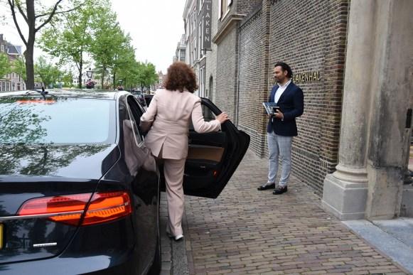 Lakenhal bezoek minister Ingrid van Engelshoven(84)