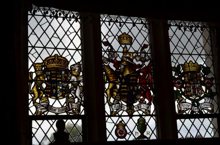 1.hevercastlethelonggallerystainedglasswindows