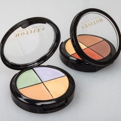 Motives color correctors