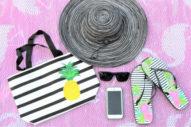 The Best Beauty Products For Your Beach Bag