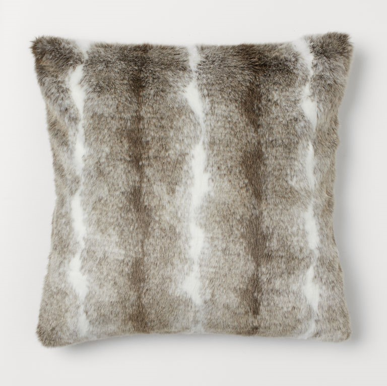 cosy autumn blog - faux fur cushion