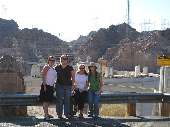Saturday, 9/6 - drive from Vegas to Grand Canyon South Rim.  Me, Olivia, Amy and Jenny at Hoover Dam.