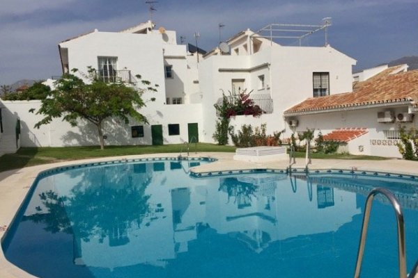 TOWNHOUSE IN COLINA BLANCA