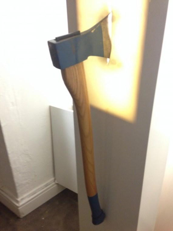 One lover used as therapy an axe to break the girlfriend's furniture when she left their live-in arrangement for another after the dumpee had gone on a business trip. Photo: Ana Ribeiro