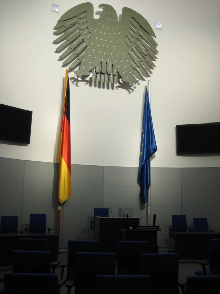 If you ever want to stand at the speaker's desk of the Bundestag, you don't need to be elected: Go to the museum of German parliamentary history in Berlin's German Church (Deutscher Dom) and enter the replica of the Federal Diet's plenary hall that you see in the picture. (Photo: Maximilian Georg)