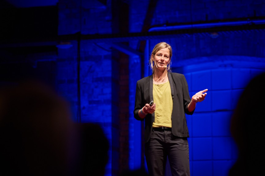 Anne-Marie Flammersfeld speaking at TEDxHHL, 19 October, 2017. (Photo © Daniel Reiche: https://www.danielreiche.de)