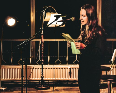 Julie Schöttner, winner of 1003 Nights Contest, at Cocktail Open Mic, 14.09.2018. (Photo © Rico Molaro / Opera on Tap)