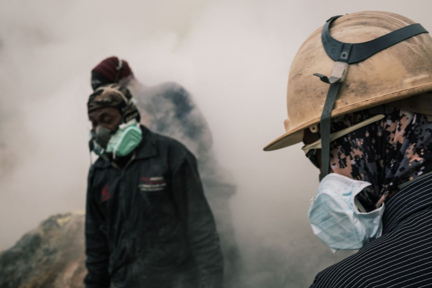 Sulfur gas is harmful and requires the use of masks around it. (Photo © Sebastian Jacobitz)