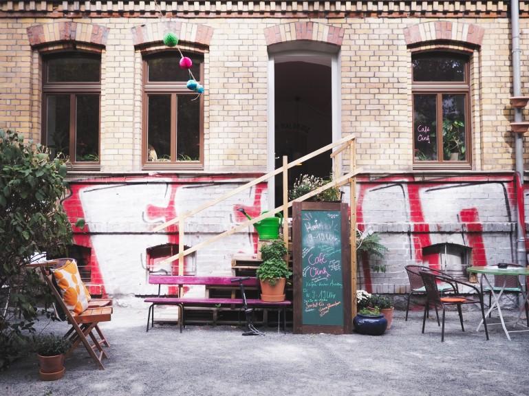 Café Oink. (Photo © Lisa Striegler)