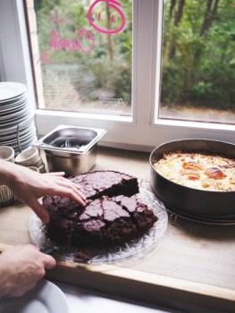 Chocolate cake at Café Oink. (Photo © Lisa Striegler)