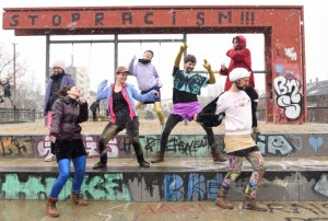 Group dancing, Photo by Kay Kölzig, @kaycosinus
