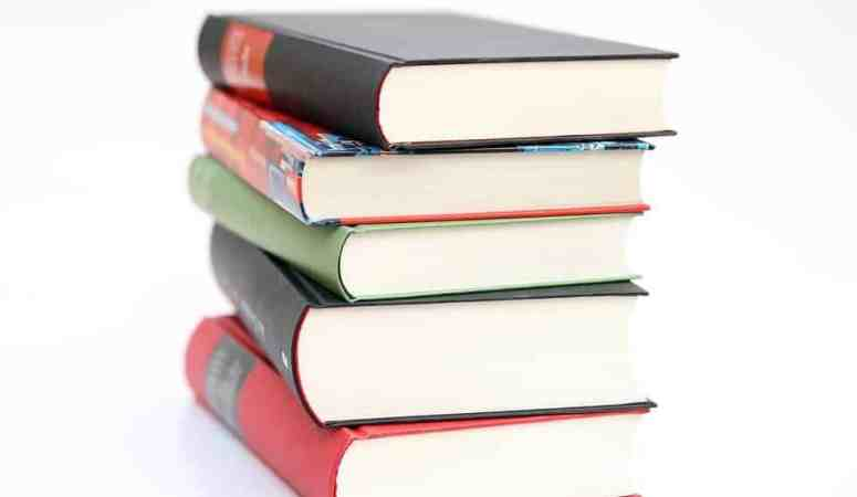 Read A Book- 6 Reasons You Should Do This More